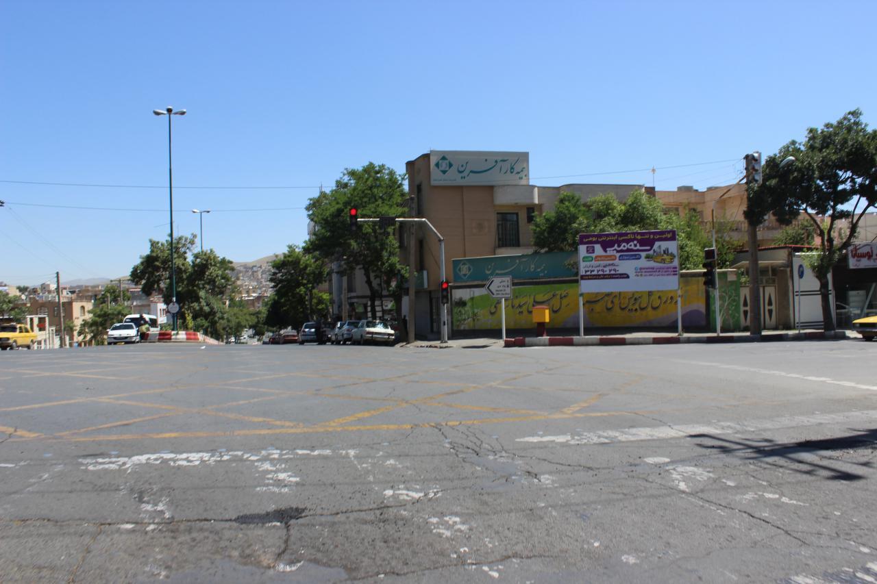 بیلبورد تبلیغاتی چهار راه فلسطین سنندج